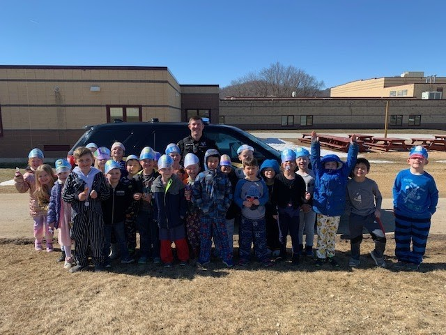 1st Grade with Officer Kyle Mueller